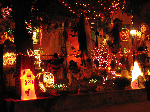 Halloween Home Design Ideas: Help The Halloween Party? Where Did That Go?